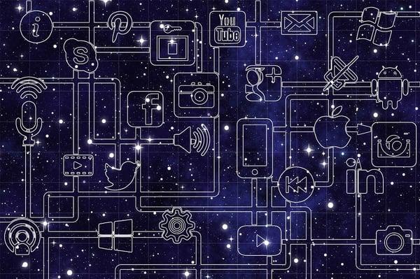 Nombreuses icônes représentant le monde du digital