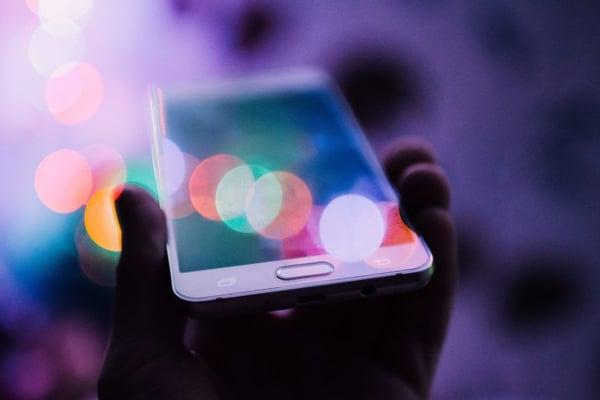 Photo de téléphone avec points lumineux